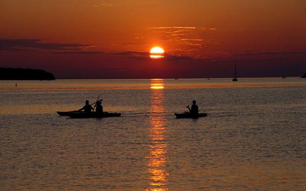 sunrise_kayak_resized